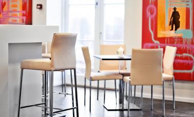 Барный стул GLOOH от KFF